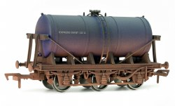 6 Wheel Milk Tank Express Dairy Weathered