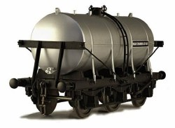 6 Wheel Milk Tanker United Creameries 70351