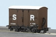 SR Livery Box Van No 47037