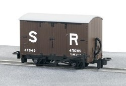 SR Livery Box Van No 47040