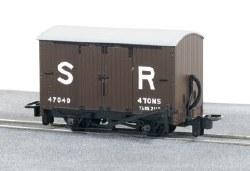 SR Livery Box Van No 47040