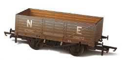 6 Plank Wagon NE 149672 Weathered