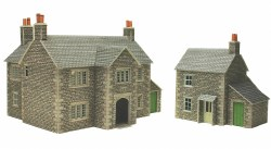 OO/HO Gauge Manor Farm House Kit