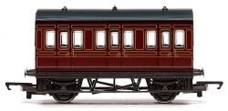 Four Wheeled Coach LMS Lined Crimson