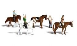 Horseback Riders (HO Scale)