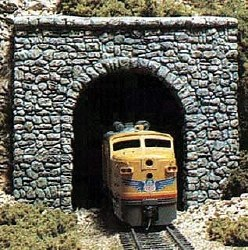 HO Scale Tunnel Prt Rand Stn Single (x1)