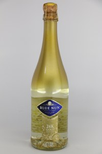 Blue Nun 24K Gold Edition with 24 karot Gold Flakes (.750L)