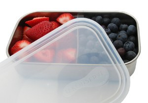 Lunchbox with movable divider