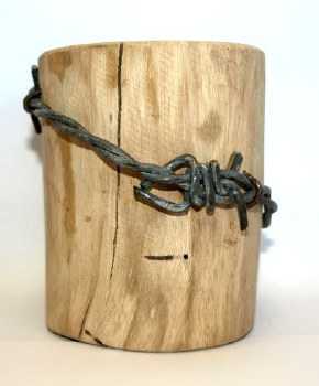 Barbed Log/fencepost small