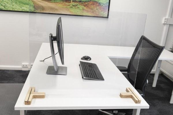Clear Freestanding Divider Screens