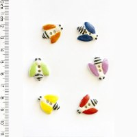 Incomp Buttons L014 Bees Multi