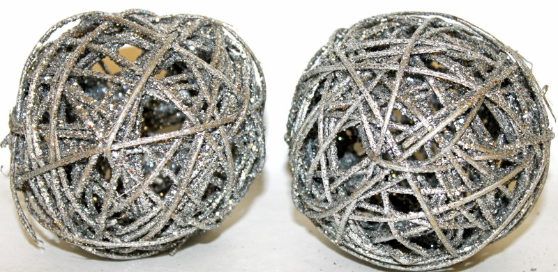 "Silver glitter Christmas wicker spheres 4"""