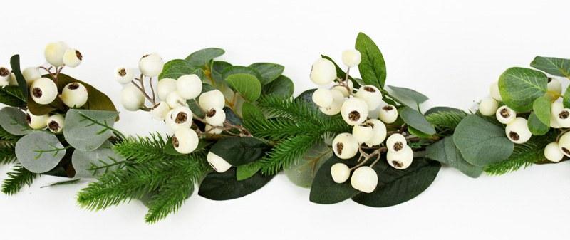 Faux Christmas Eucalyptus, Pine & White Rosehip Berry Garland 5ft
