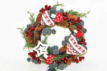 Christmas wreath with heart