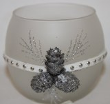 Glass round tealight holder with pinecones/glitter 7.8 x 7cm