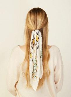 Daisy Blossom Pleats Scrunchie