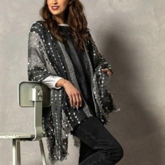 Textured Poncho Gray & Black
