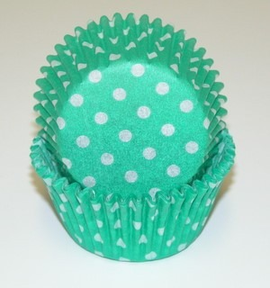 "1-1/4""X 2"" Green with White Dots Baking Cup 500 Count"