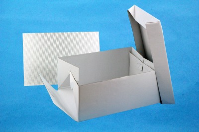 "17"" X 13"" PME Cake Card & Box"