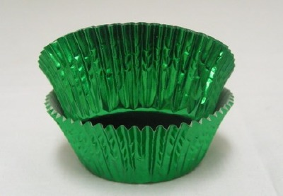 """3/4"""" X 1-1/4"""" Green Foil Baking Cups 500 Count"""