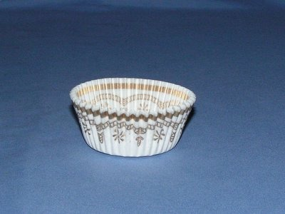 "3/4""X1-3/8"" Round White and Gold Baking Cups 500 Count"