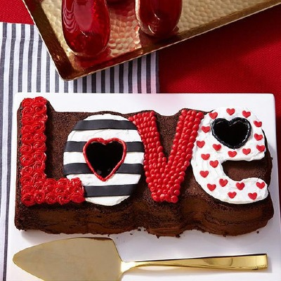 Love Fluted Cake Pan