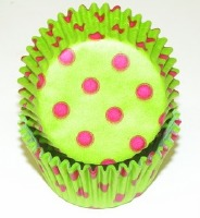 "1-1/4""X 2"" Lime with White Dots Baking Cups 500 Count"