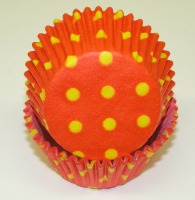 "1-1/4""X 2"" Orange w/Dots Baking Cups 500 Count"