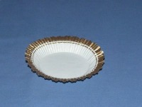 """1-1/8"""" X 2-3/16"""" White & Gold Baking Cups 500 Count"""