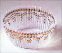 "1.25""X2"" Round White / Gold Baking Cups 500 Count"