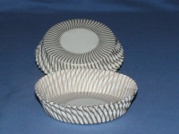 """3/4"""" X 3"""" Gold & White Baking Cups 500 Count"""