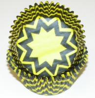"""1.25"""" X 2"""" Chevron Yellow and Black Baking Cups 500 Count"""