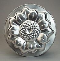 "Sunflower Cake Pan 9.75"""