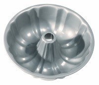 "8.5"" Non-Stick Bundt Pan"