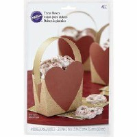 Heart Treat Box With Handle 4
