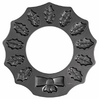 Holly Wreath Shaped Cookie Pan