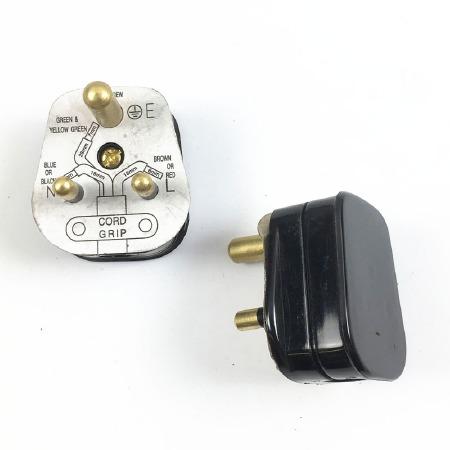 5 Amp Plug Black - Lighting Circuits
