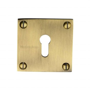 Heritage BAU1556 Square Escutcheon Antique Brass Lacquered
