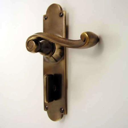 Victorian Scroll Bathroom Door Handles Antique Brass Unlacquered