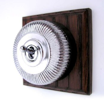 Reeded Round Dolly Light Switch on Wooden Base Polished Chrome 1 Gang