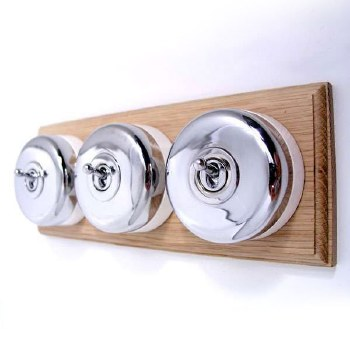 Round Dolly Light Switch on Wooden Base Chrome 3 Gang