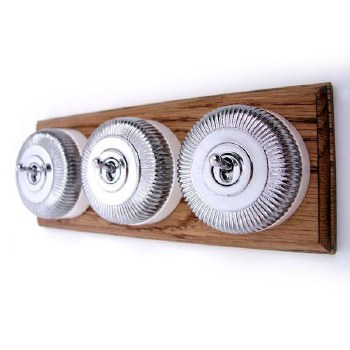 Reeded Round Dolly Light Switch on Wooden Base Chrome 3 Gang