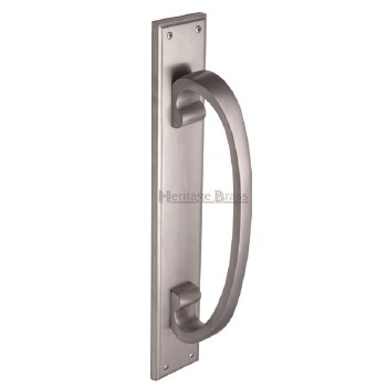 Heritage V1162 Pull Handle on Plate Satin Chrome