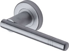 Heritage Alicia Round Rose Door Handles V2100 Satin Chrome