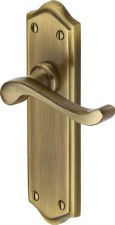 Heritage Buckingham Latch Door Handles W4210 Antique Brass Lacquered