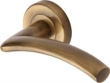 Heritage Centaur Round Rose Door Handles V3490 Antique Brass Lacq