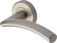 Heritage Centaur Round Rose Door Handles V3490 Satin Nickel