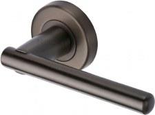 Heritage Challenger Rnd Rs Door Handles V1001 Matt Bronze Lacq