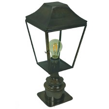Knightsbridge Outdoor Pillar Lamp Short Antique Brass