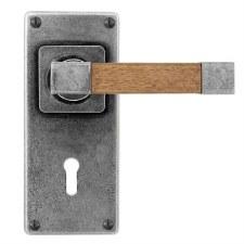 Finesse Eden Door Lock Handles Jesmond Plate FD171 Pewter & Oak